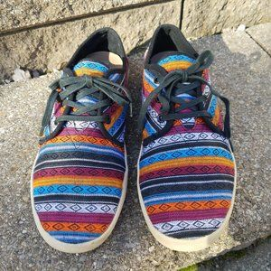 TOMS 9.5 Men's tribal canvas shoes orange red